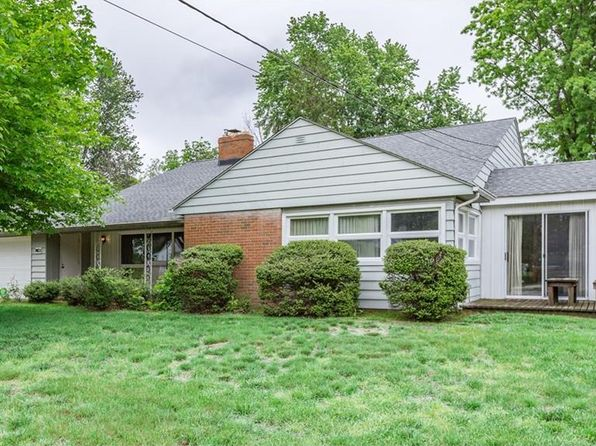 4 bed 3 bath Single Family at 7403 Carole Dr Mentor, OH, 44060 is for sale at 160k - google static map