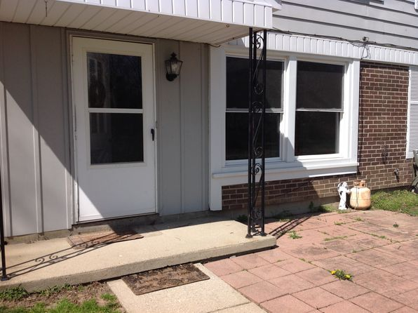 3 bed 1 bath Condo at 1393 Hobnail Ct Davison, MI, 48423 is for sale at 59k - 1 of 7