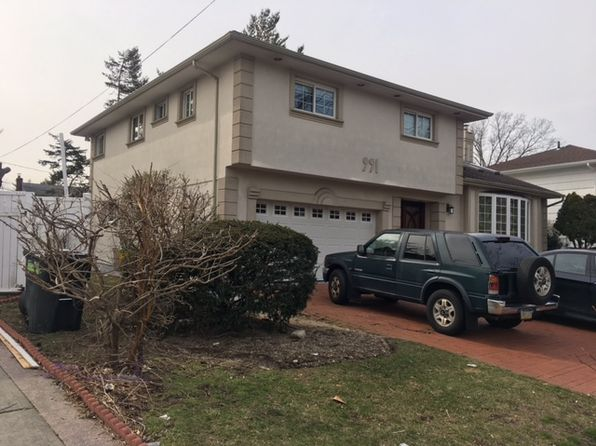 4 bed 4 bath Single Family at 991 Rosedale Rd Valley Stream, NY, 11581 is for sale at 899k - 1 of 24