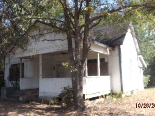 2 bed 1 bath Single Family at 211 N Oak St Ocilla, GA, 31774 is for sale at 7k - 1 of 8