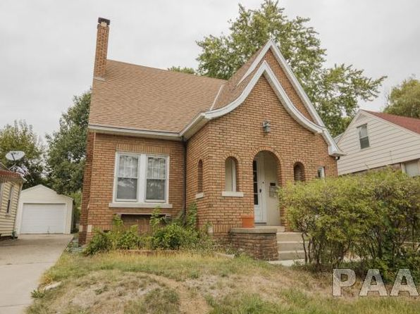 3 bed 2 bath Single Family at 813 W Meadows Pl Peoria, IL, 61604 is for sale at 85k - 1 of 32