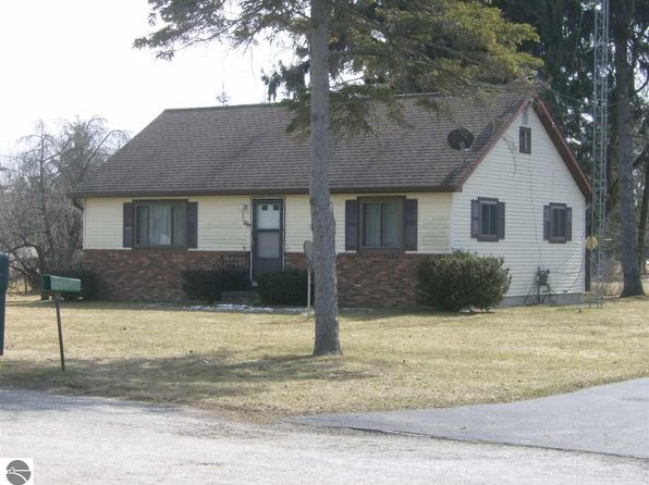 2 bed 2 bath Single Family at 120 Spring St Tawas City, MI, 48763 is for sale at 83k - 1 of 7