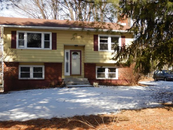 2 bed 2 bath Single Family at 5 MAHAR DR POUGHKEEPSIE, NY, 12601 is for sale at 140k - 1 of 9
