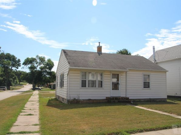 2 bed 1.25 bath Single Family at 123 Madison St Remsen, IA, 51050 is for sale at 65k - 1 of 4