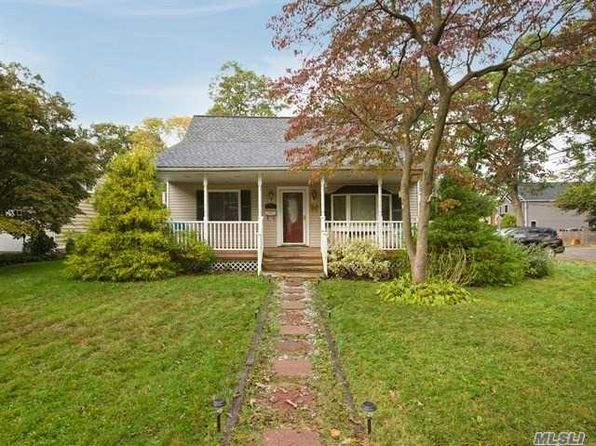 4 bed 2 bath Single Family at 300 3RD AVE EAST NORTHPORT, NY, 11731 is for sale at 438k - 1 of 19