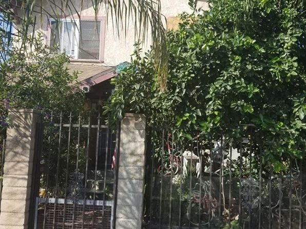 5 bed 3 bath Single Family at 520 E 35th St Los Angeles, CA, 90011 is for sale at 540k - 1 of 2