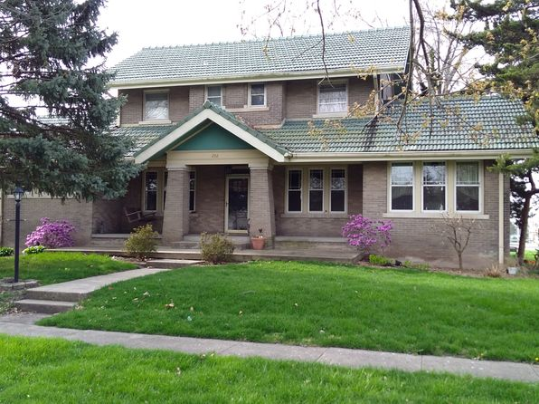 3 bed 3 bath Single Family at 202 E 1st St El Paso, IL, 61738 is for sale at 166k - 1 of 16