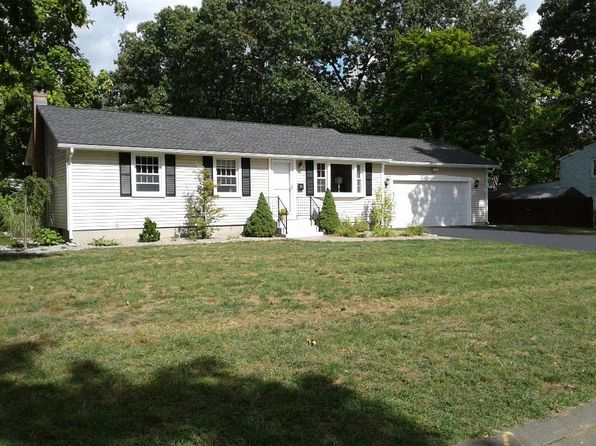 3 bed 1 bath Single Family at 96 HEATHER LN WINDSOR LOCKS, CT, 06096 is for sale at 215k - 1 of 16