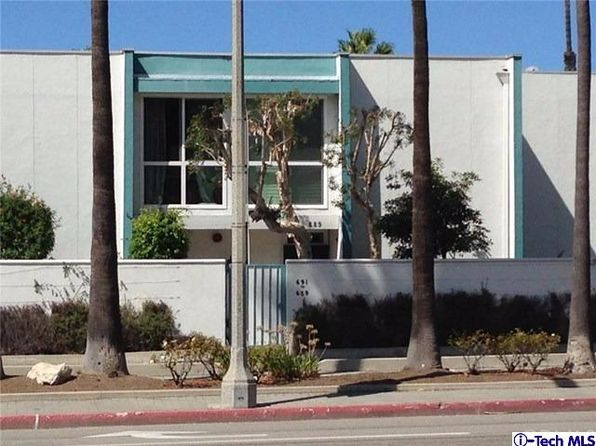 2 bed 2 bath Townhouse at 689 The Vlg Redondo Beach, CA, 90277 is for sale at 825k - 1 of 4