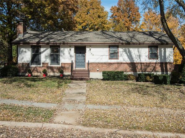 3 bed 3 bath Single Family at 1139 N Walker Ln Olathe, KS, 66061 is for sale at 190k - 1 of 25