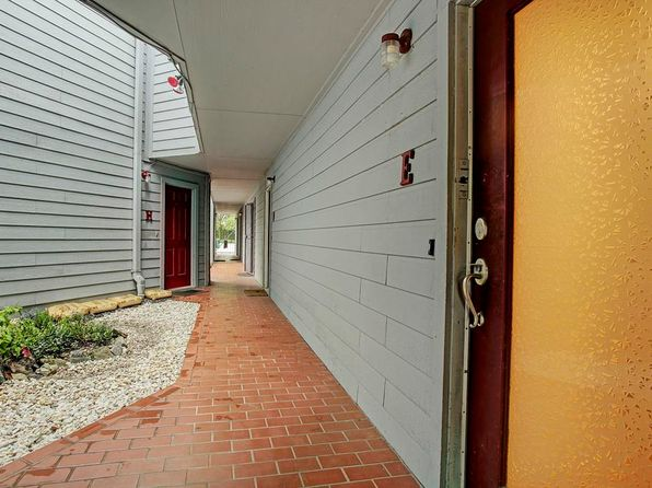 2 bed 3 bath Townhouse at 701 Rosedale St Houston, TX, 77006 is for sale at 212k - 1 of 10