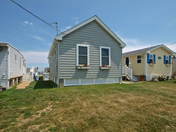 2 bed 1 bath Single Family at 64 Burnside Ave Narragansett, RI, 02882 is for sale at 280k - 1 of 19