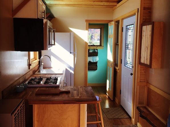 1 bed 1 bath Single Family at 15 Tayer Ln Waterbury Center, VT, 05677 is for sale at 59k - 1 of 8