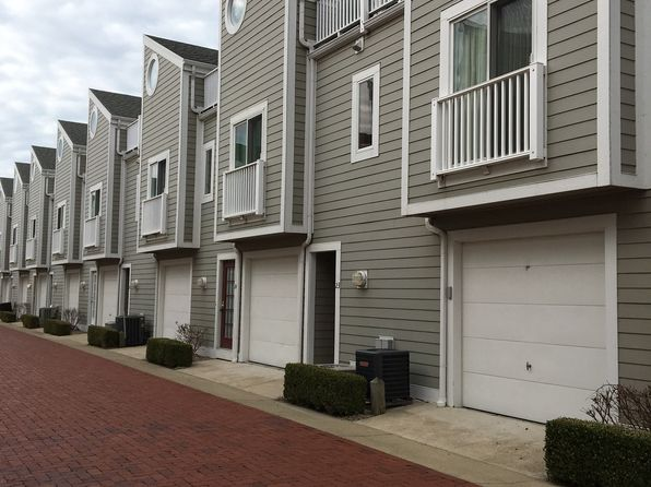 2 bed 2 bath Condo at 23 Landings Blvd New Buffalo, MI, 49117 is for sale at 285k - 1 of 10