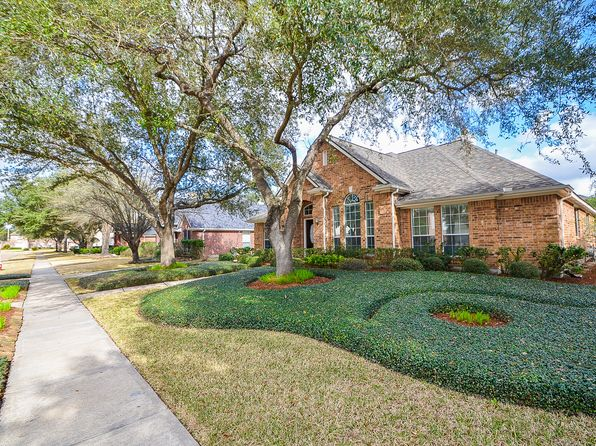 3 bed 3 bath Single Family at 8902 Apple Mill Dr Houston, TX, 77095 is for sale at 269k - 1 of 4
