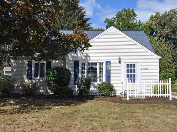 3 bed 1 bath Single Family at 24204 Hedgewood Ave Westlake, OH, 44145 is for sale at 170k - 1 of 22