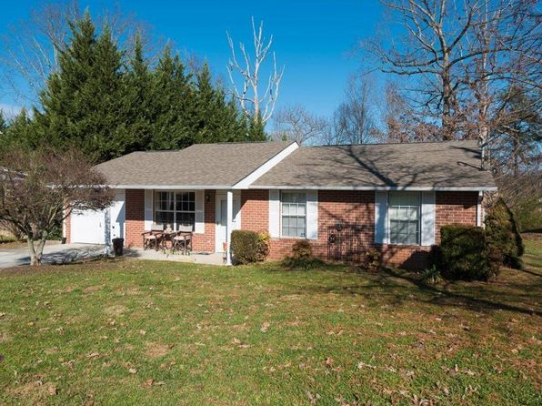 3 bed 2 bath Single Family at 6100 Morning Glory Pl Knoxville, TN, 37912 is for sale at 140k - 1 of 14