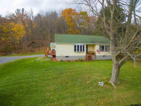 2 bed 2 bath Single Family at 179 Breese Hollow Rd Hoosick Falls, NY, 12090 is for sale at 160k - 1 of 20