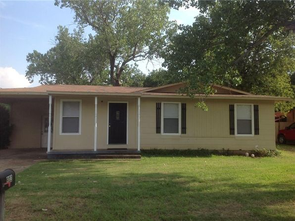 3 bed 2 bath Single Family at 903 W Doyle St Granbury, TX, 76048 is for sale at 122k - 1 of 27