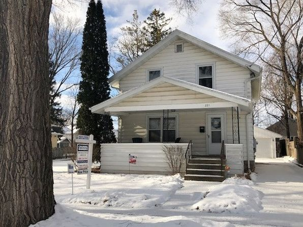 3 bed 1 bath Single Family at 221 N Outagamie St Appleton, WI, 54914 is for sale at 120k - 1 of 24