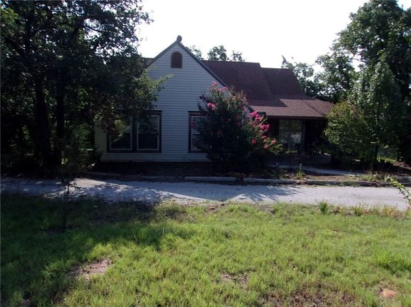 3 bed 2.5 bath Single Family at 2549 Fm 1125 Bowie, TX, 76230 is for sale at 250k - 1 of 34