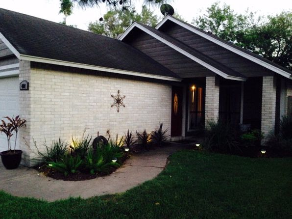 2 bed 2 bath Single Family at 404 Rattan Dr Victoria, TX, 77901 is for sale at 103k - 1 of 11
