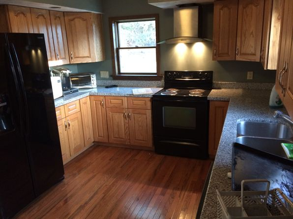 3 bed 2 bath Single Family at 69 Toll Gate Rd Groton, CT, 06340 is for sale at 210k - 1 of 9
