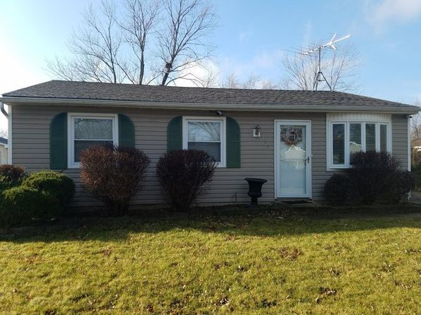 3 bed 1 bath Single Family at 135 Creekside Dr Bolingbrook, IL, 60440 is for sale at 145k - 1 of 19