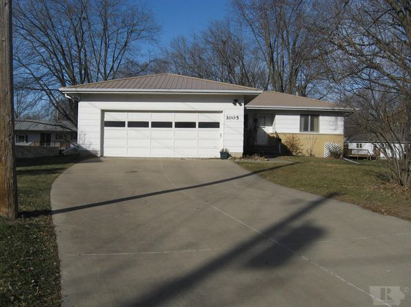 3 bed 1 bath Single Family at 1005 Sunny Ln Fairfield, IA, 52556 is for sale at 138k - 1 of 38