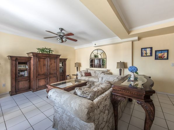 1 bed 1 bath Condo at 236 Edgemere St Montauk, NY, 11954 is for sale at 269k - 1 of 13