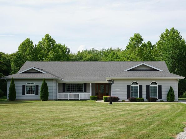 3 bed 3 bath Single Family at 1803 Community Beach Rd Odin, IL, 62870 is for sale at 264k - 1 of 27