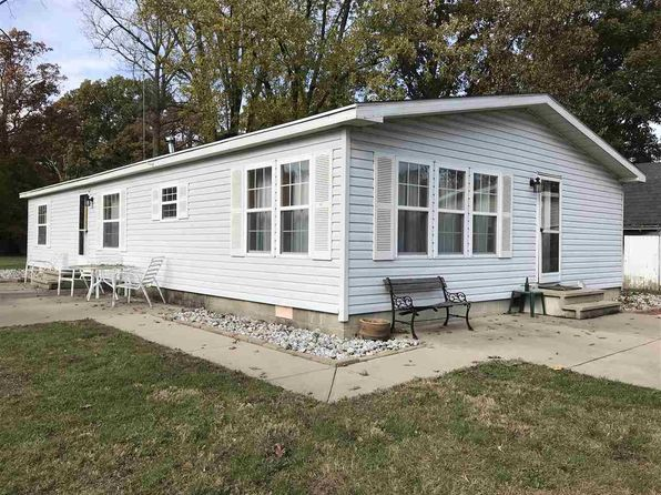 3 bed 2 bath Mobile / Manufactured at 1022 S Circle Dr E Cromwell, IN, 46732 is for sale at 125k - 1 of 24