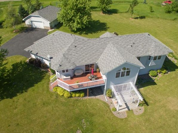 5 bed 3.5 bath Single Family at 3950 Lake Sarah Rd Maple Plain, MN, 55359 is for sale at 550k - 1 of 23