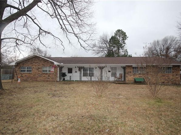 3 bed 2 bath Single Family at 1625 SISCO AVE SPRINGDALE, AR, 72762 is for sale at 145k - 1 of 30