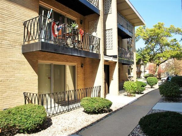 2 bed 1 bath Single Family at 6858 N Northwest Hwy Chicago, IL, 60631 is for sale at 159k - google static map