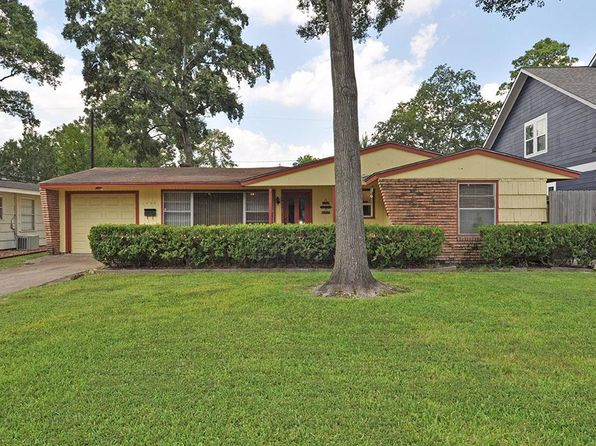 2 bed 1 bath Single Family at 1454 Cheshire Ln Houston, TX, 77018 is for sale at 370k - 1 of 31
