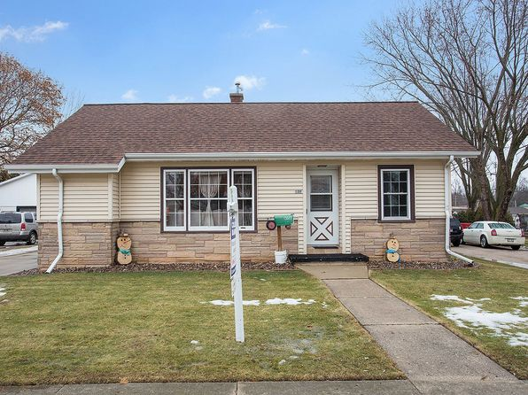 3 bed 2 bath Single Family at 120 Dewey St Brillion, WI, 54110 is for sale at 120k - 1 of 15