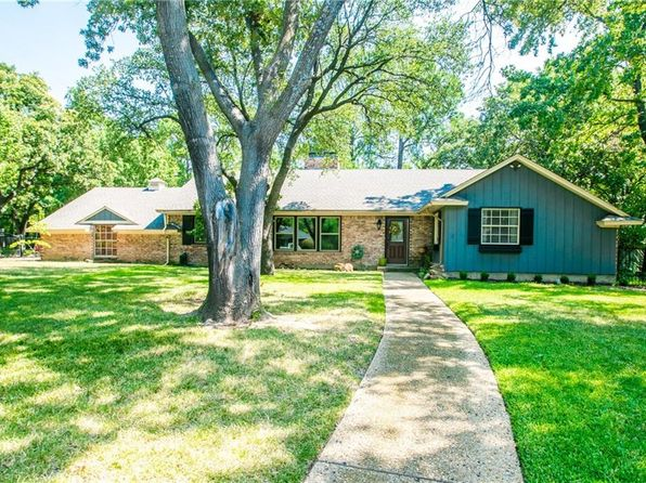 3 bed 2 bath Single Family at 707 Ridgecrest Cir Denton, TX, 76205 is for sale at 285k - 1 of 32