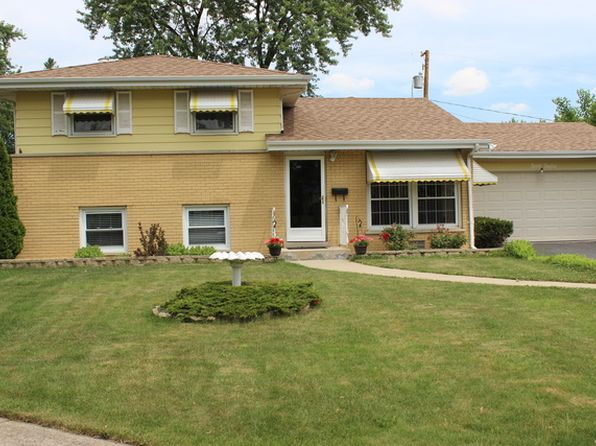3 bed 2 bath Single Family at 712 W Lake Manor Dr Addison, IL, 60101 is for sale at 235k - 1 of 23