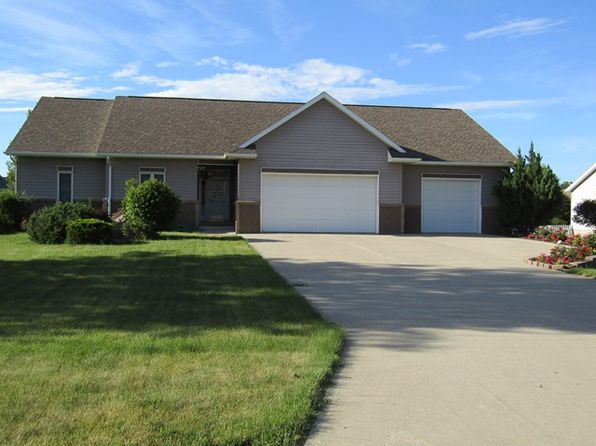 5 bed 3.5 bath Single Family at 2235 Oakwood Rd Fort Dodge, IA, 50501 is for sale at 325k - 1 of 32
