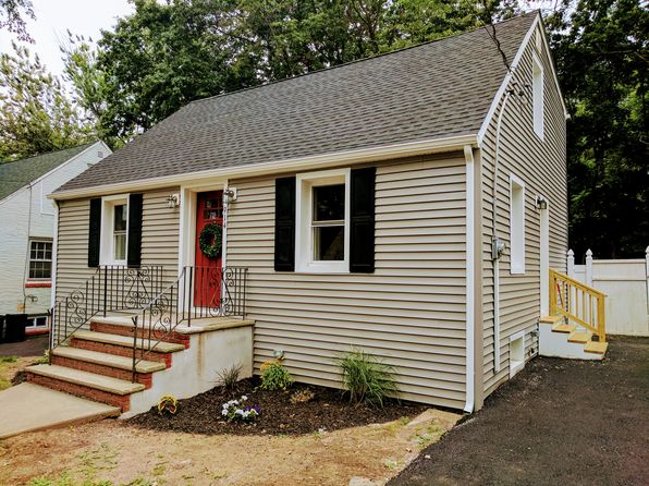 3 bed 2 bath Single Family at 914 Oak St Roselle, NJ, 07203 is for sale at 239k - 1 of 6