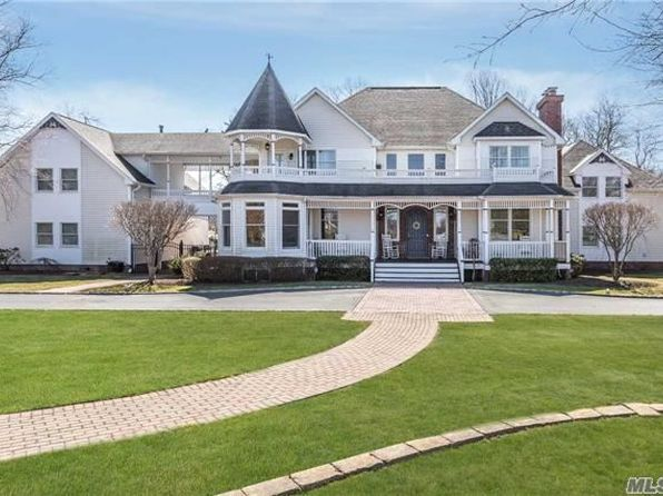 6 bed 6 bath Single Family at 8 Collins Ct Bayport, NY, 11705 is for sale at 1.07m - 1 of 20