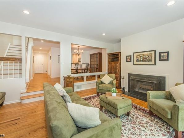2 bed 3 bath Townhouse at 52 Keats Way Morristown, NJ, 07960 is for sale at 515k - 1 of 23