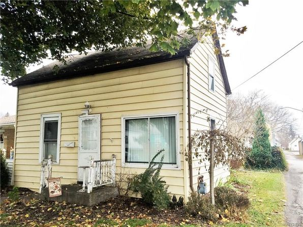 3 bed 1 bath Single Family at 109 8th Ave North Tonawanda, NY, 14120 is for sale at 35k - 1 of 14