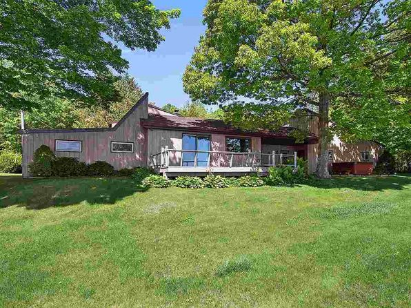 3 bed 2 bath Single Family at N9526 Hwy U Algoma, WI, 54201 is for sale at 239k - 1 of 19