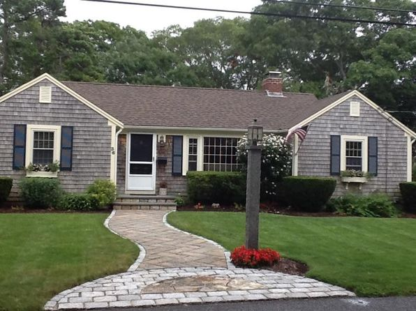 3 bed 2 bath Single Family at 36 Bannister Ln South Yarmouth, MA, 02664 is for sale at 389k - 1 of 14