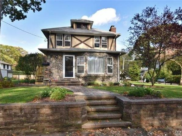 4 bed 2 bath Single Family at 77 Oak St Northport, NY, 11768 is for sale at 539k - 1 of 20