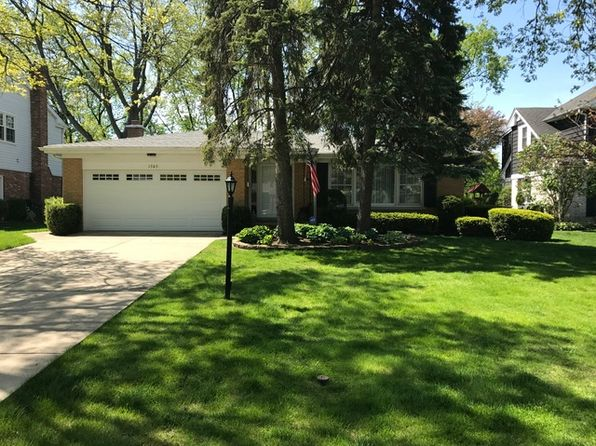 3 bed 2 bath Single Family at 1303 Elizabeth Ln Glenview, IL, 60025 is for sale at 535k - 1 of 27