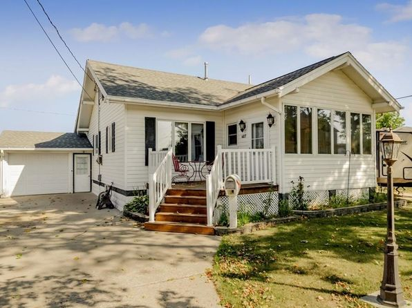 3 bed 2 bath Single Family at 407 W 10th St Vinton, IA, 52349 is for sale at 160k - 1 of 27