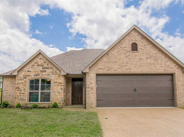 3 bed 2 bath Single Family at 107 Ballpark Dr Hallsville, TX, 75650 is for sale at 220k - 1 of 25